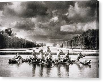 Fountain With Sea Gods At The Palace Of Versailles In Paris Canvas Print by Simon Marsden
