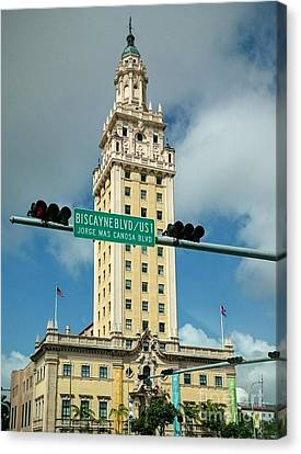 Freedom Tower And Mas Canosa Canvas Print by Daniel Diaz