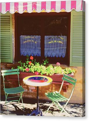 French Bistro In Napa Valley Canvas Print by George Oze