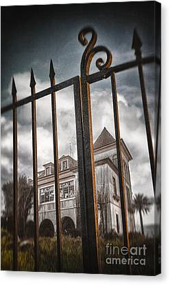 Gate To Haunted House Canvas Print by Carlos Caetano