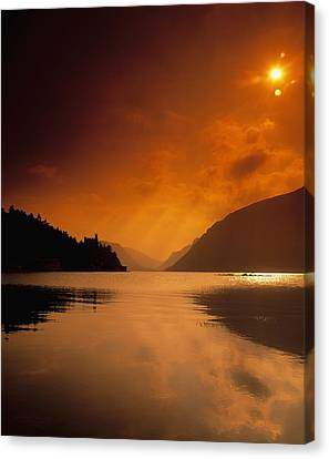 Glenveagh Castle And Lough Veagh Canvas Print by The Irish Image Collection