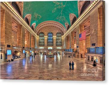Grand Central Terminal V Canvas Print by Clarence Holmes