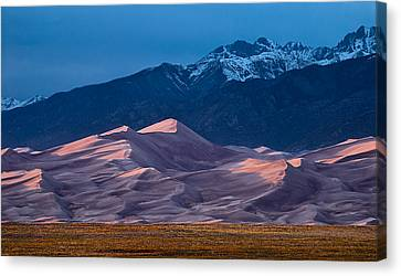 Great Sand Dunes  Colorado Canvas Print by Steve Gadomski