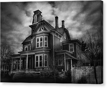 Haunted - Flemington Nj - Spooky Town Canvas Print by Mike Savad