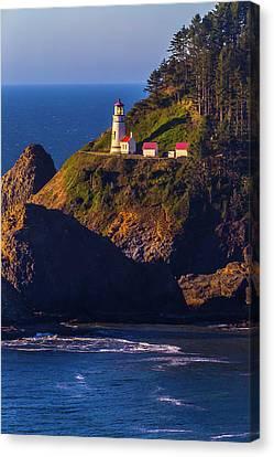 Heceta Head Oregon Lighthouse Canvas Print by Garry Gay