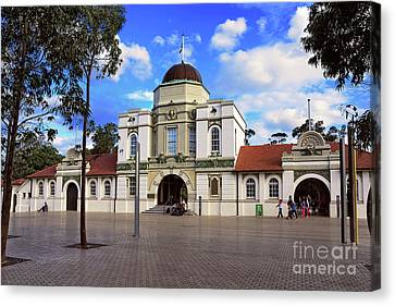 Heritage Listed Main Entrance Taronga Zoo By Kaye Menner Canvas Print by Kaye Menner