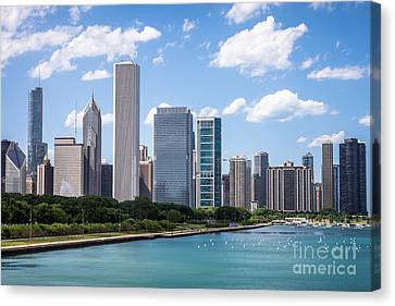 Hi-res Picture Of Chicago Skyline And Lake Michigan Canvas Print by Paul Velgos