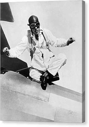 Hopes To Set Free Fall Record Canvas Print by Underwood Archives