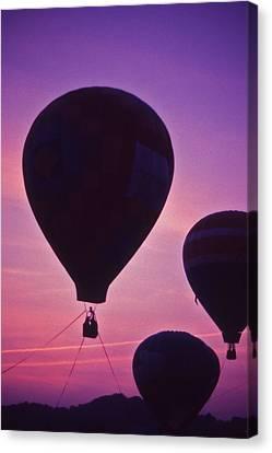Hot Air Balloon - 8 Canvas Print by Randy Muir