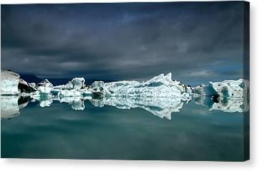 Icebergs Canvas Print by Thorsteinn H. Ingibergsson