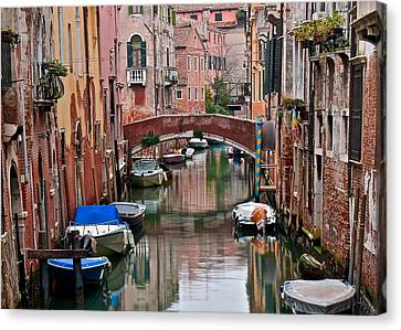 Italian Ambiance Canvas Print by Frozen in Time Fine Art Photography