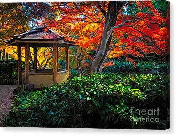 Japanese Gardens Canvas Print by Inge Johnsson