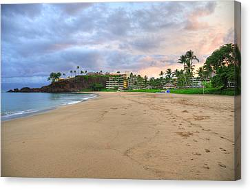 Ka'anapali Beach Hotel  Canvas Print by Kelly Wade