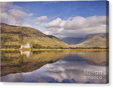 Kilchurn Castle And Loch Awe Canvas Print by Colin and Linda McKie