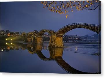Kintai Bridge In Iwakuni Canvas Print by Karen Walzer