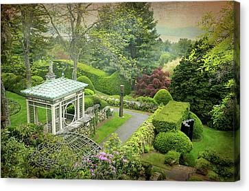 Kykuit Garden Canvas Print by Diana Angstadt