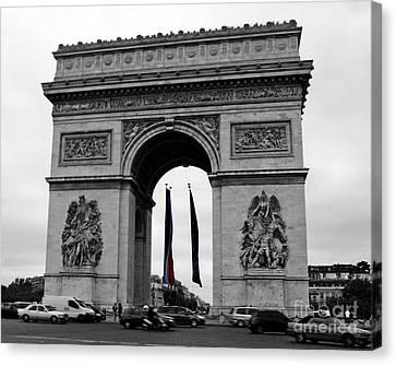 L Arc De Triumph Paris Canvas Print by Chris Smith