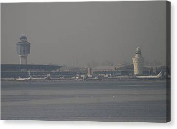 La Guardia From The Bronx Canvas Print by Christopher Kirby