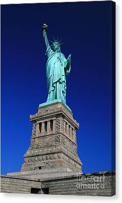 Lady Liberty Ellis Island Nyc Canvas Print by Wayne Moran