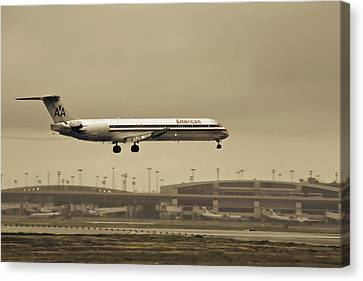Landing At Dfw Airport Canvas Print by Douglas Barnard
