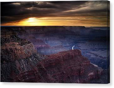 Last Light At The Canyon Canvas Print by Andrew Soundarajan