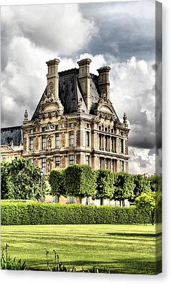 Le Musee Du Louvre Canvas Print by Greg Sharpe