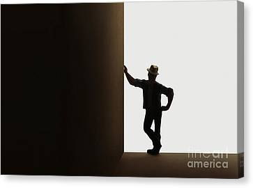 Leaner Canvas Print by Dan Holm