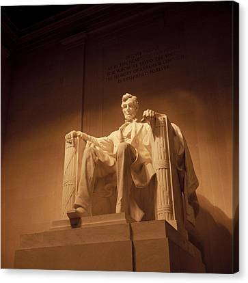 Lincoln Memorial Canvas Print by Gene Sizemore