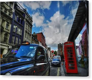 London 37 Canvas Print by Lance Vaughn