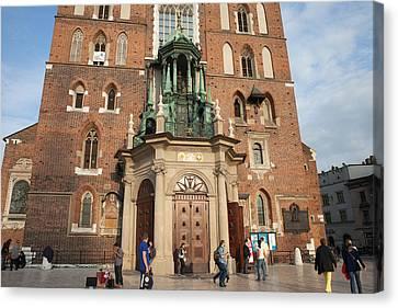 Main Door To The St. Mary Basilica In Krakow Canvas Print by Artur Bogacki