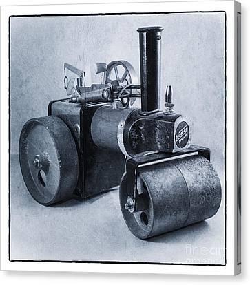 Mamod Roller  Canvas Print by Rob Hawkins