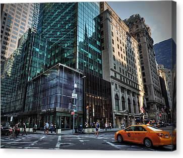 Manhattan - 5th Ave. 002 Canvas Print by Lance Vaughn