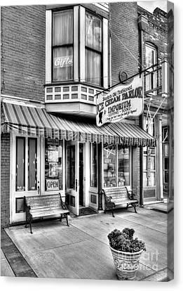 Mark Twain's Town 2 Bw Canvas Print by Mel Steinhauer