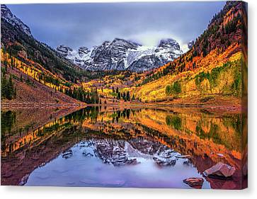 Maroon Bells Autumn Canvas Print by Andrew Soundarajan