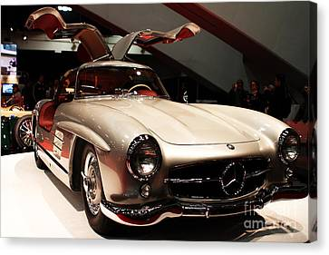 Mercedes 300sl Gullwing . Front Angle Canvas Print by Wingsdomain Art and Photography