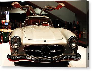 Mercedes 300sl Gullwing . Front View Canvas Print by Wingsdomain Art and Photography
