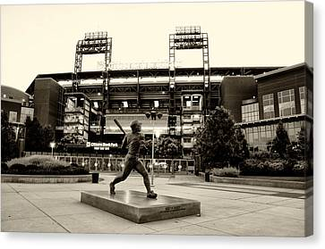 Mike Schmidt In Sepia Canvas Print by Bill Cannon