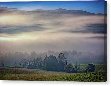 Misty Morning In Cades Cove Canvas Print by Rick Berk