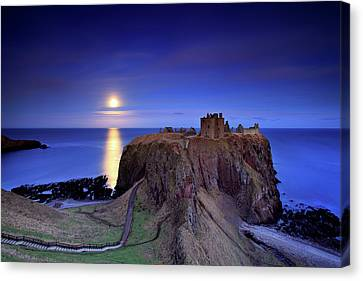 Moonrise Dunnottar Castle Aberdeenshire Scotland Canvas Print by Angus Clyne