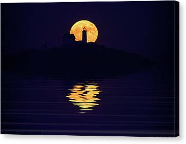Moonrise Over Cape Neddick Canvas Print by Rick Berk
