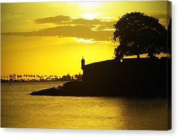 Morro Sunset Canvas Print by Mauricio Jimenez