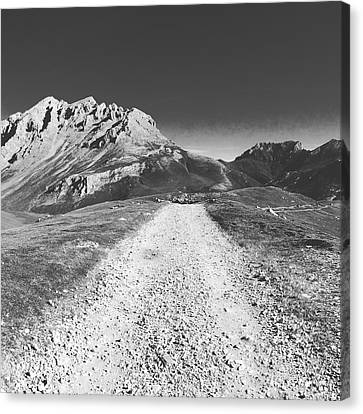 Mountain Road Canvas Print by Contemporary Art