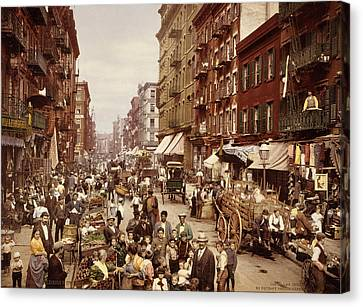 Mulberry Street, New York City Canvas Print by Everett