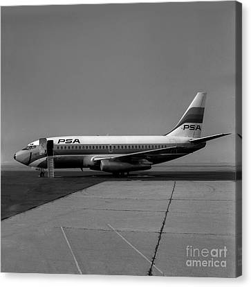 N462gb, Boeing 737-293, Long Beach, California, Lgb Canvas Print by Wernher Krutein