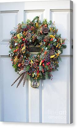 Natural Christmas Wreath Canvas Print by Tim Gainey