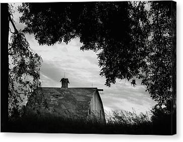 Nebraska - Barn - Black And White Canvas Print by Nikolyn McDonald