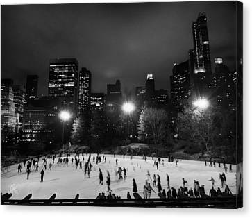 New York City - Central Park 005 Bw Canvas Print by Lance Vaughn