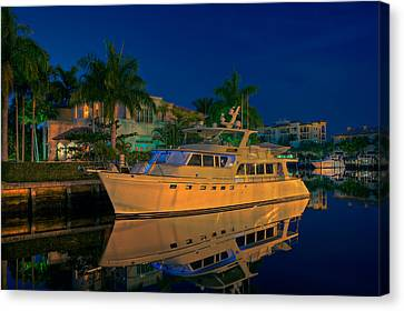 Night Time In Fort Lauderdale Canvas Print by James O Thompson