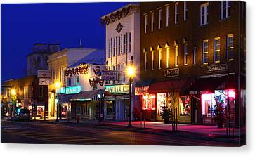 North Side Of East End Of Main Street Canvas Print by Don Nieman