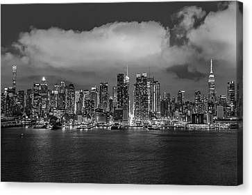 Nyc Skyline At Night Bw Canvas Print by Susan Candelario